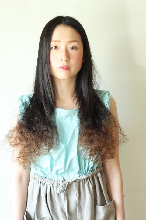 中目黒・代官山の美容室 ポイントカラーで個性的なパーマスタイル